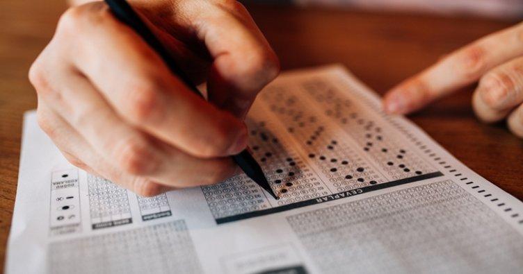 YKS'ye giderken götürülecek belgeler neler? YKS sınav giriş belgesi renkli olmak zorunda mı, siyah beyaz mı olacak?