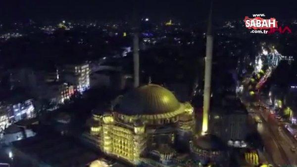 İstanbul Taksim Camii ışıklandırıldı