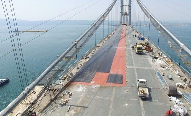 Osman Gazi Köprüsü'ne ilk asfalt