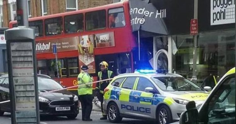 Londra'da çift katlı otobüs dehşeti