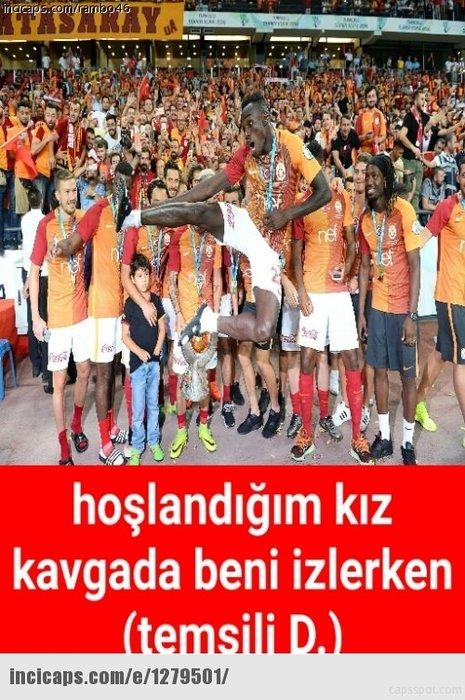 Galatasaray Süper Kupa'yı kazandı, Caps'ler patladı