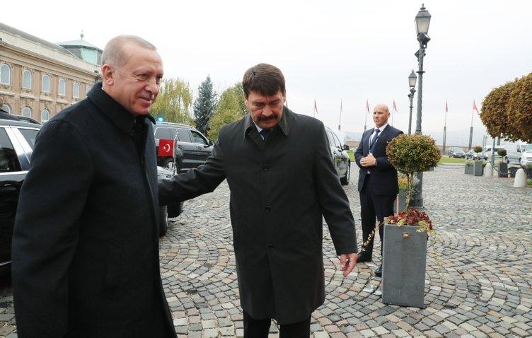 Başkan Erdoğan Macaristan'da! Macaristan Cumhurbaşkanı Janos Ader ile görüştü