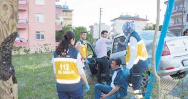 Çubuk'ta iki otomobil çarpıştı 3 kişi yaralandı