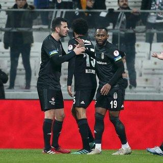 Beşiktaş'ta Caner Erkin ve Mohamed Elneny arasında gerginlik