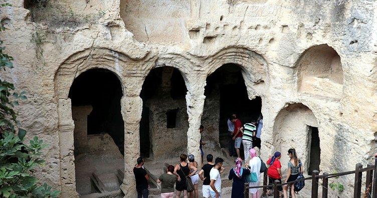 Esirlerin ellerinde hayat bulan tünel: Vespasianus-Titus