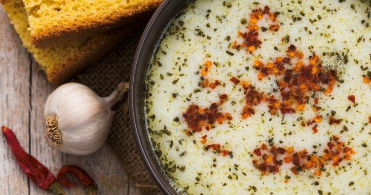 Nefis kokusuyla yayla çorbası tarifi - Yayla çorbası nasıl yapılır? Yapılışında kullanılan malzemeler nelerdir?