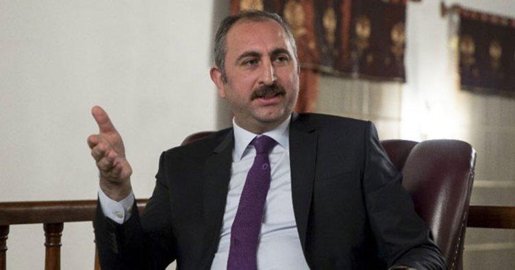 Bakan Gül: İstanbul maceraya atılamaz