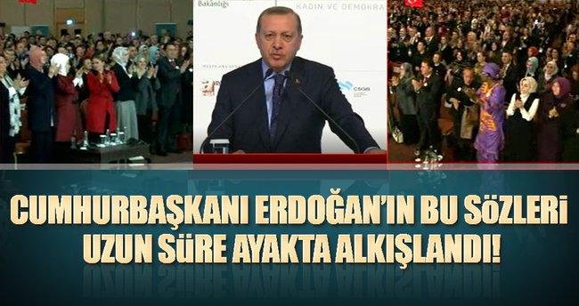 Cumhurbaşkanı Erdoğan uzun süre ayakta alkışlandı