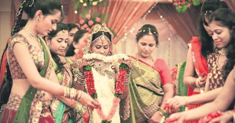 ANTALYA 3 gün 3 gece sürecek Hint düğünü başladı ile ilgili görsel sonucu
