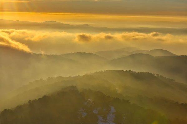 Murat Dağı'nın zirvesinden muhteşem görüntüler