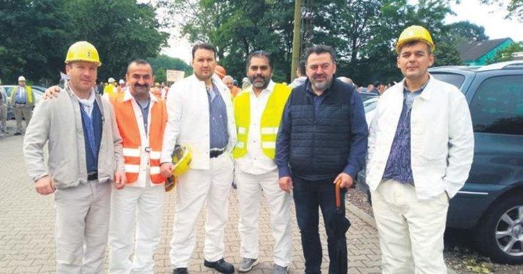 Maden işçilerine yürüyüşlü destek