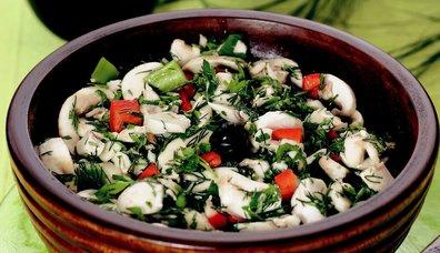 Çiğ Mantar Salatası