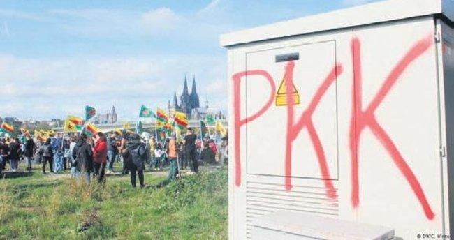 Almanya, PKK bayraklarını yasakladı