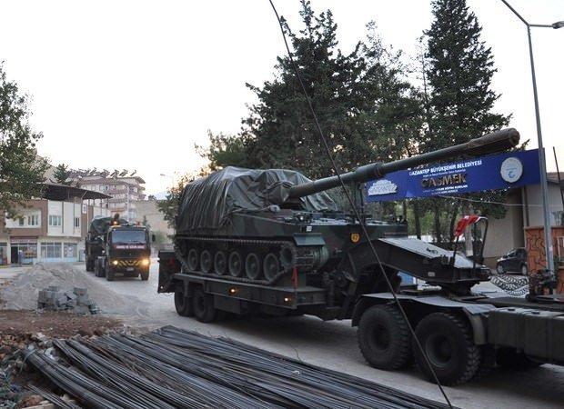 İstanbul'dan sevk edilen Fırtına obüsleri İslahiye'de