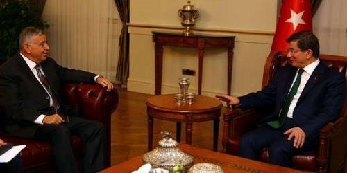 Başbakan Davutoğlu patronları ağırladı