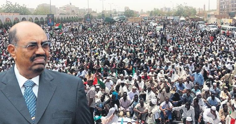 Sudan halkı darbecilere de karşı